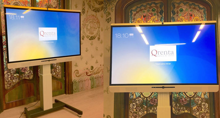 interactive display with mobile stand for meeting room