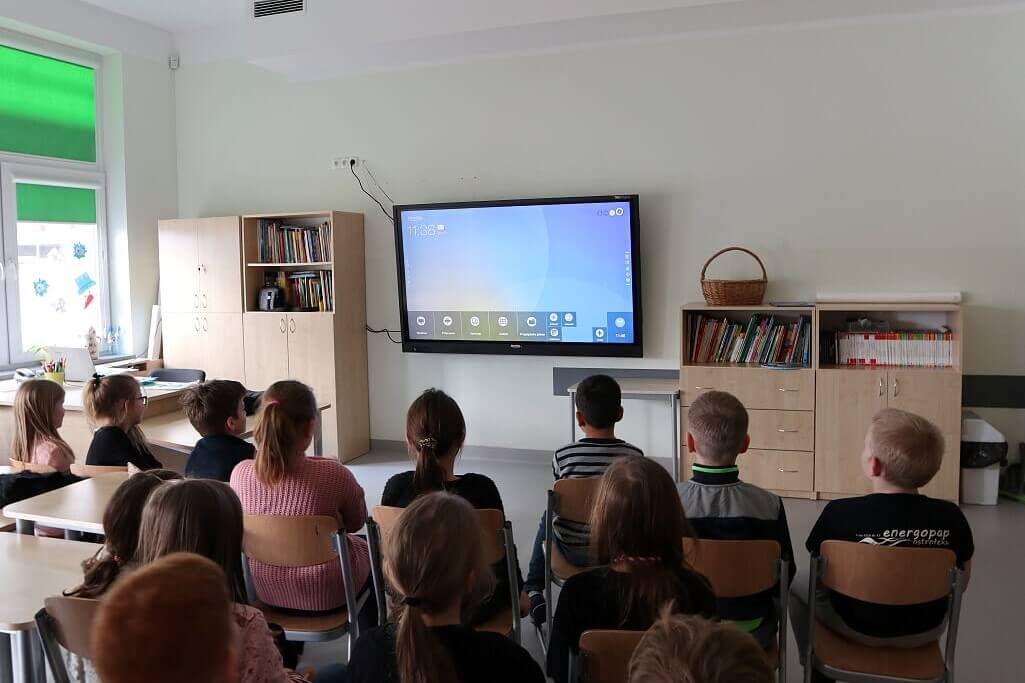 Smart interactive display in classroom