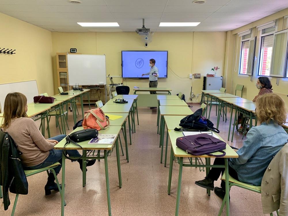 Pantallas interactivas Newline en la Escuela de Idiomas de Alcorcón