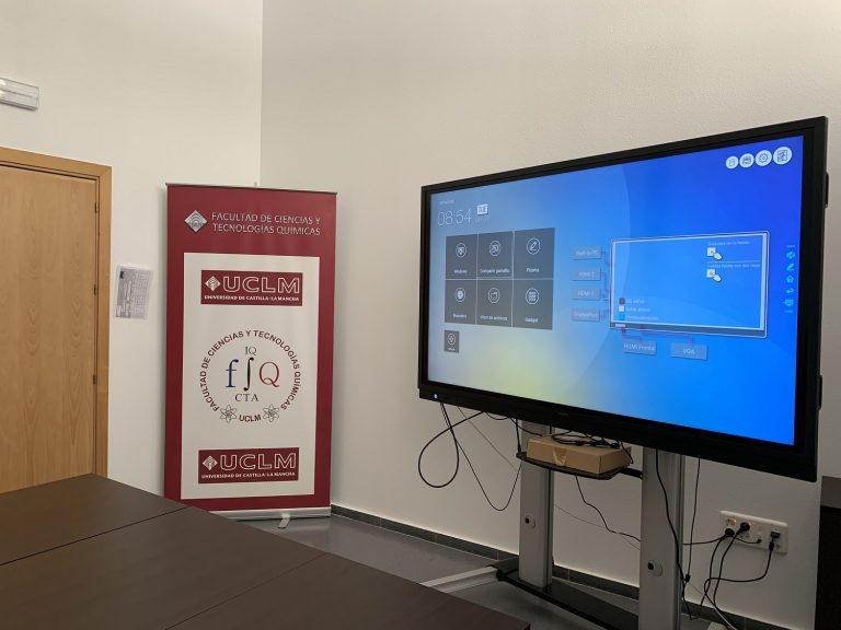 Newline Interactive Displays in the Universidad de Castilla-La Mancha
