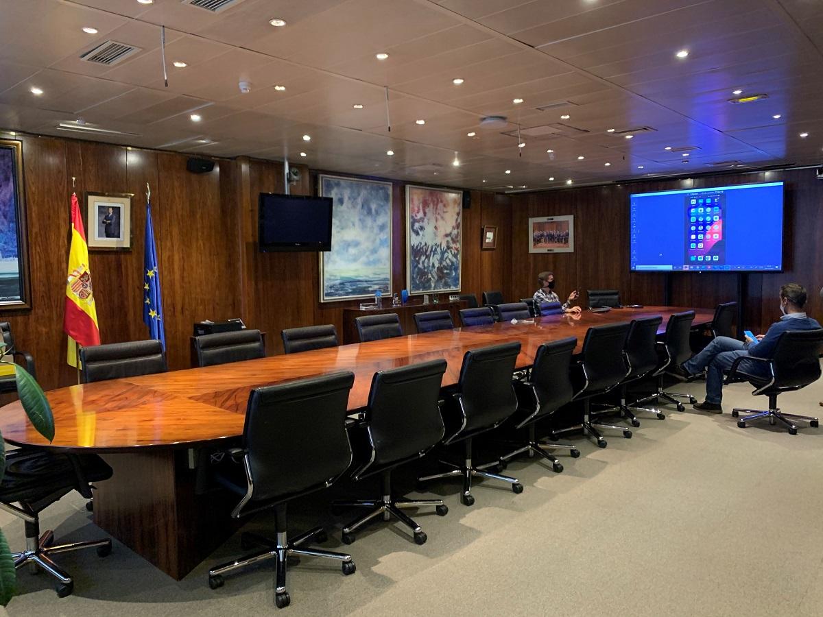 Pantallas interactivas Newline en las oficinas de Puertos del Estado